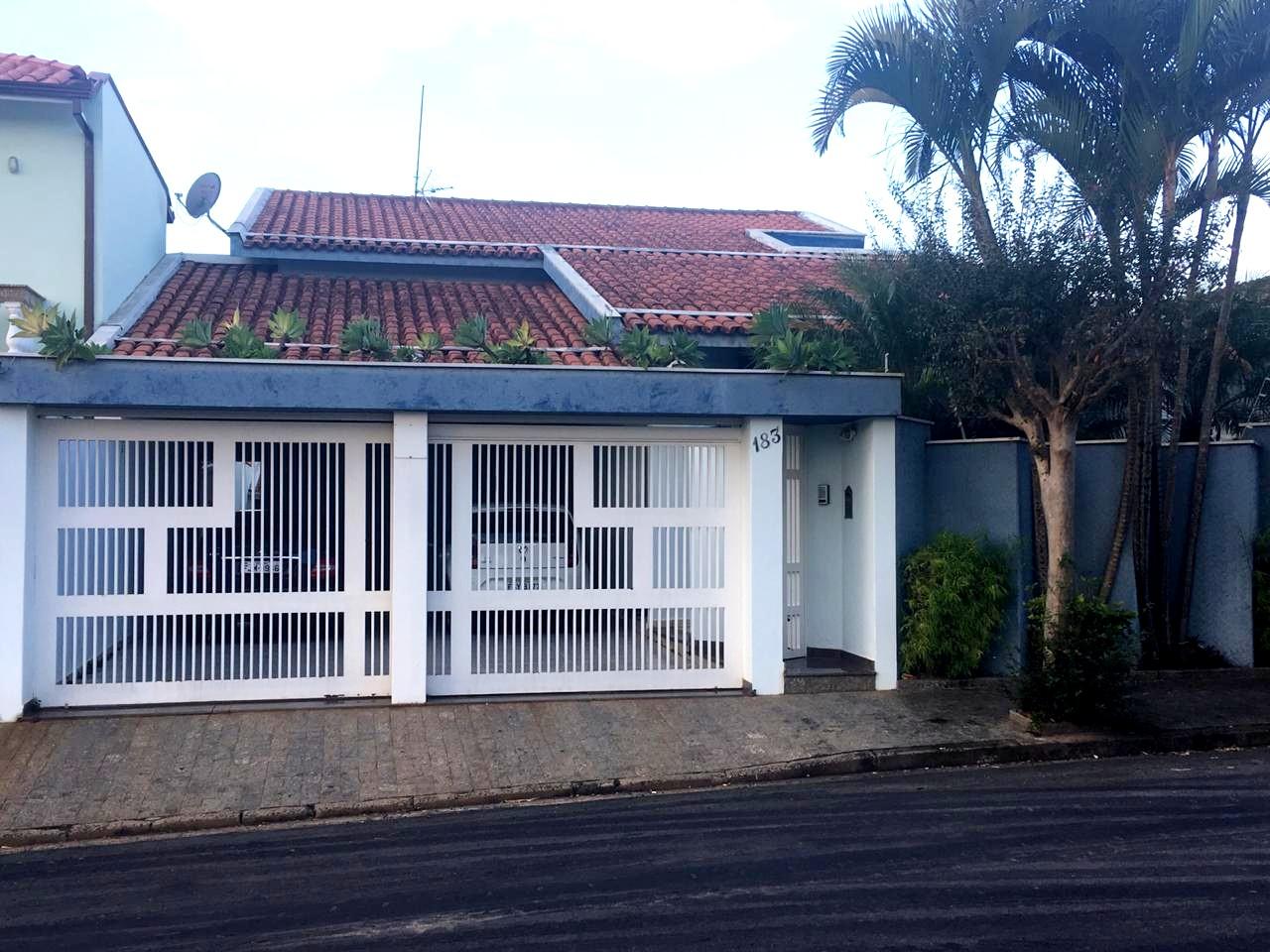 Casa Jardim Araújo (Ginásio)